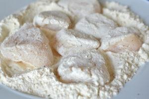 scallops provencal- scallops in flour