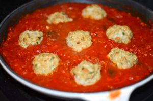 spicy-chicken-meatballs-in-sauce