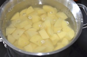parmesan-mashed-potatoes-boiling-potatoes